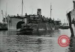 Image of American troops disembarking United Kingdom, 1918, second 7 stock footage video 65675029199